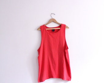 Basic Faded Red 90s Tank