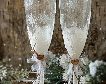 Snowflake Wedding Champagne Glasses Winter Wedding Christmas Wedding Holiday Wedding Champagne Flutes