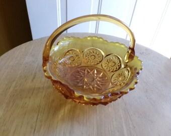 Vintage Starburst Design Amber Glass Basket, Amber Glass basket, pressed glass basket, candy dish, nut dish