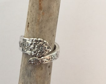 Baby Moss Rose Spoon Ring