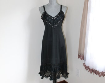 1950s Black Full Slip by Mary Barron, Lace Ruffles Adjustable Straps Size 34 RN22896