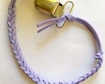 Briaded leather pacifier clip- Lilac