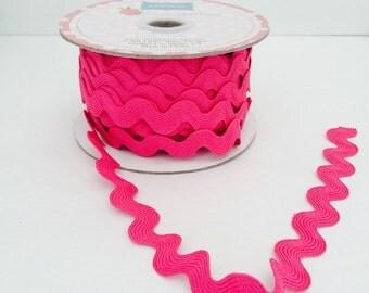 3/4 inch Ric Rac-Hot Pink (5 Yard Bundle) Riley Blake Designs