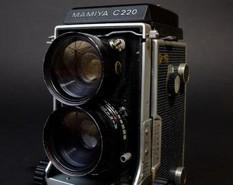 Mamiya C220 Analog 120mm Medium Format Film Camera with Mamiya-Sekor 65mm f/3.5 Lens