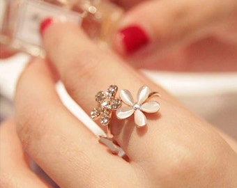 Beautiful Flower Ring Adjustable Size
