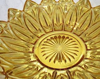 Vintage Amber Federal Glass Petal Pattern Glass Bowl