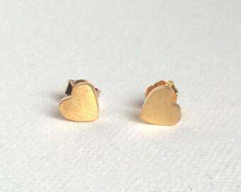 Dainty Heart Study Earring