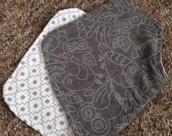 Baby owls in gray and white burp cloth
