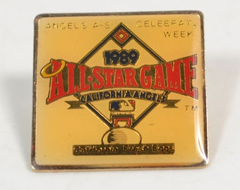 Vintage 1989 Yellowed Background All Star Game Pin