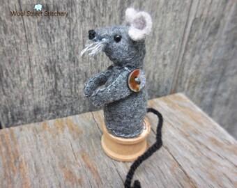 Felt stuffed mouse, small mouse, little felt mouse, felt stuffed animal
