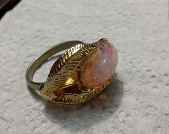 Gorgeous opal design ring