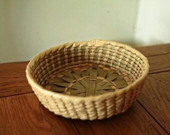 Vintage basket - hand woven bread napkin basket