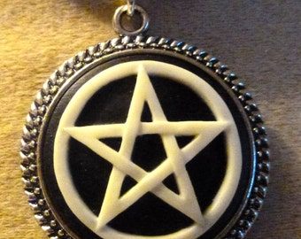 beautiful cameo pendant Pentagram