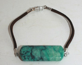 Green and black stone brown leather bracelet
