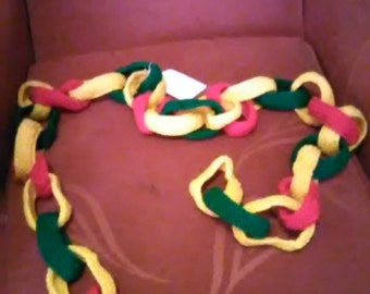 Knitted Xmas Paper Chain