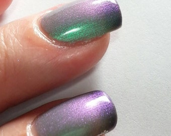 ManEater - Limited Edition Cyan/Blue/Purple Multi-Chrome Thermal Color Changing Nail Polish - Drama Queen Collection