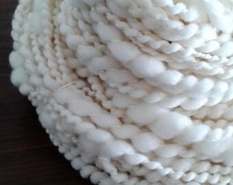 Merino wool yarn hand spun thick & thin chunky yarn ecru. 11454
