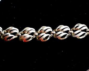 CORO Vintage Silver Tone Swirl Link Bracelet