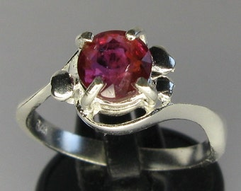 Natural 1.27 ct  unheated untreated ruby & sterling silver 925 ring size 7.5