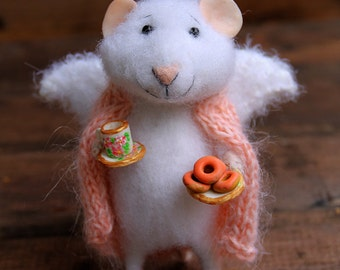 needle felt mouse angel of home in a blanket with cup and donuts, felted mouse, felt animal, eco toy, ahgel mouse, felt mice
