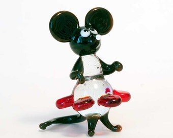 Glass Mouse in Dress Figurine (code 096)