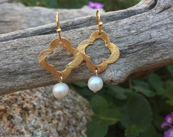 15% off coupon, Gold Clover and Pearl Earrings