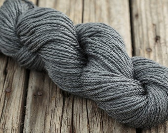 Aran weight knitting wool, worsted aran, Fyberspates Scrumptious Aran. Shade Slate.