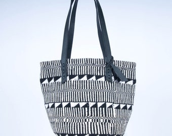 Handwoven Black and White Aztec Design Sisal and Wool Tote Bag