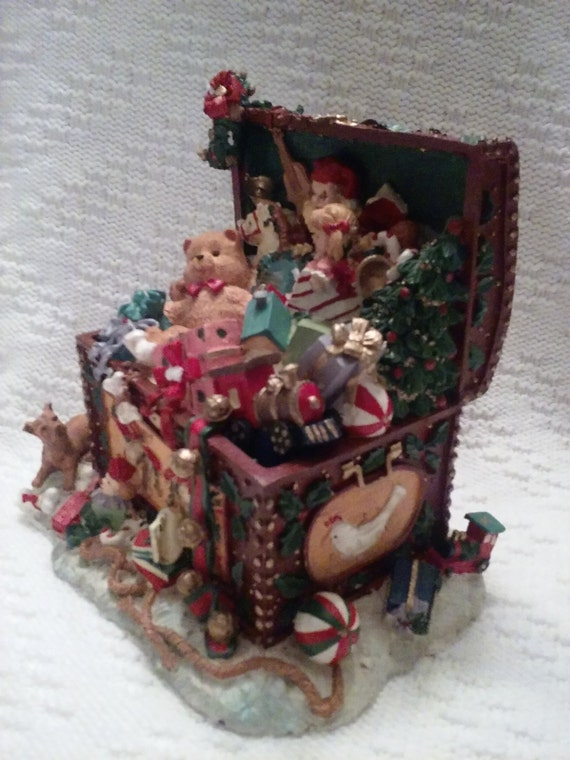 Christmas Toy Box : Christmas music box toy chest by shabbychicdeco