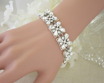 Crystal bridal cuff, Swarovski rhinestone wedding bracelet, Statement bridal bracelet