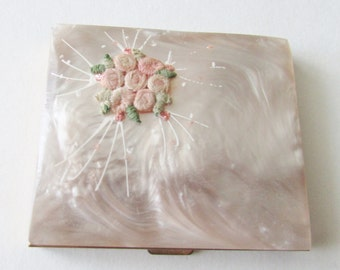 Vintage Swirled Mother of Pearl Compact with Flower Applique MOP Compact Nice!!