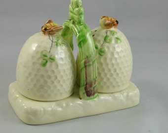 Vintage Ceramic Bee And Beehive Salt And Pepper Set, Collectible Salt And Pepper Shakers,