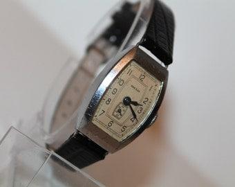 """Soviet watch Vintage watch Russian watch Mechanical Watch Ladies wrist USSR Vintage """"Zvezda""""2-1952s."""