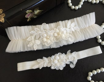 wedding garter set, ivory tulle bridal garter set, ivory beaded lace, pearl