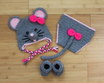 Crochet Baby Mouse Set: Hat,Diaper Cover and Booties, Set of 3, Newborn, Infant, Baby Shower Gift ,Photo Prop, Coming home outfit