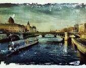The Seine Paris decor pho...