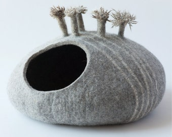 Pets bed / Cat bed - cat cave - cat house - eco-friendly handmade felted wool cat bed - natural gray - cat cave