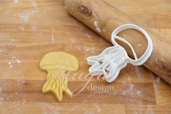 Jellyfish cookie cutter, fondant cutter, marzipan cutter ...