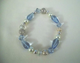Blue Acrylic Beaded Stretch Bracelet