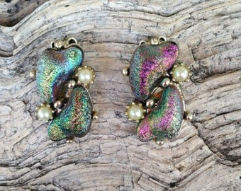 Vintage Iridescent Thermoset Plastic and Faux Pearl Earrings 0332