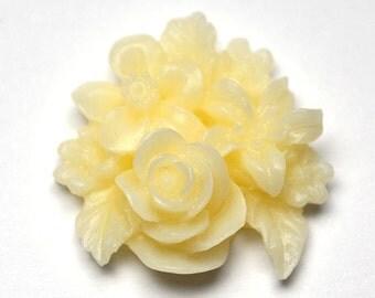 Cream Cluster Flower, Pack of 4