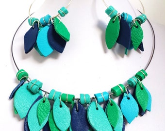 SET necklace and hoop leather PETALS