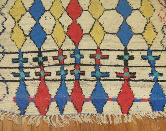 Vintage Morrocan rug Size 4'1''x7'