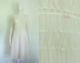 60%OFF July22-24 70s lingerie size small, pale pink lace trim floral dressing gown, 1970s mesh chiffon nightgown, negligee slip night gown