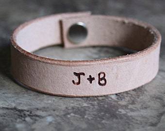 Personalized leather wristband bracelet, cuff, leather pyrography, name bracelet, mens bracelet