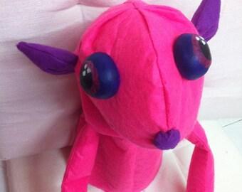 Morau Googly-Eyed pink hand puppet