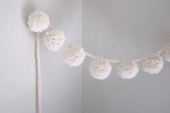 wool pom pom garland adjustable super bulky large. Black Bedroom Furniture Sets. Home Design Ideas