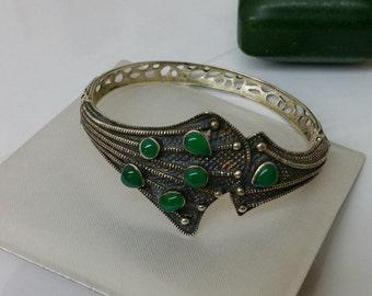 925 Silver Bangle cuff with emeralds SA213