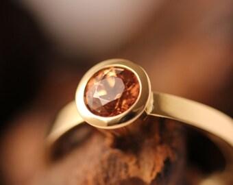 brown brilliant cut zircon gold ring 18K