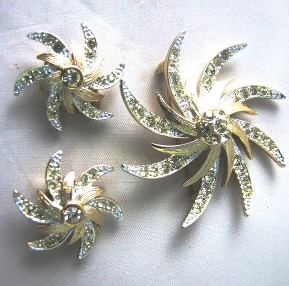 """Sara Coventry Set, Vintage, Pin, Earring Set, Brooch,  2 1/2"""",  Star, Pave Rhinestone, Bright Stones, Excellent"""